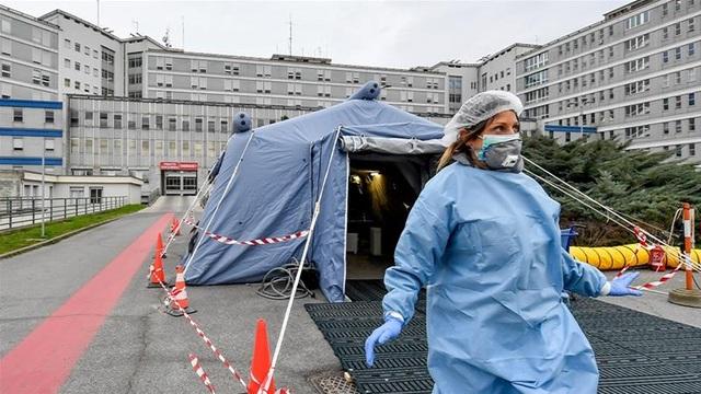 Italia: Ca nhiễm corona tăng kỷ lục, số ca chết trong ngày vượt Trung Quốc - 1