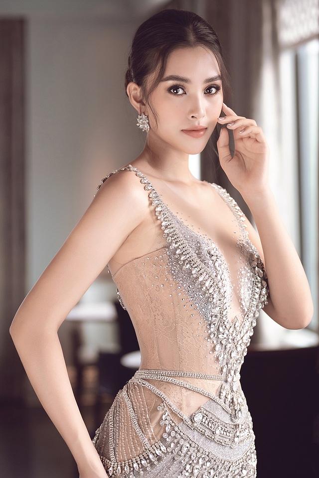Hoa hậu Trần Tiểu Vy xinh như công chúa khi diện váy cưới - 1