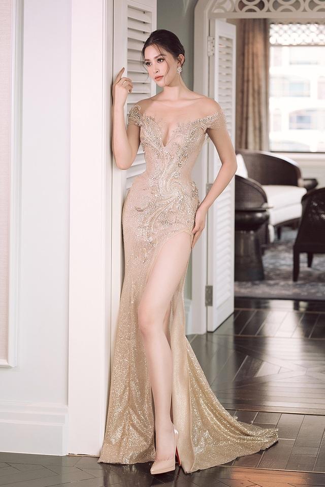 Hoa hậu Trần Tiểu Vy xinh như công chúa khi diện váy cưới - 9