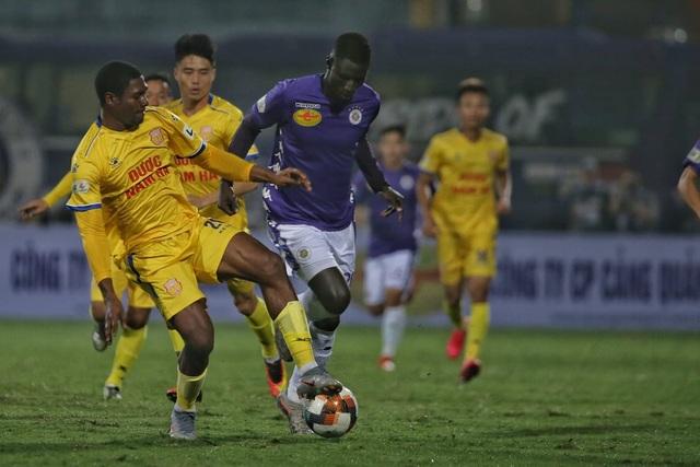 CLB Hà Nội thắng Nam Định trong trận ra quân không có khán giả - 2
