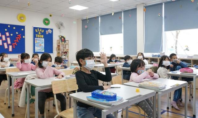 Hà Nội: Toàn bộ HS, SV nghỉ học đến 15/3 sau ca nhiễm Covid-19 đầu tiên - 2