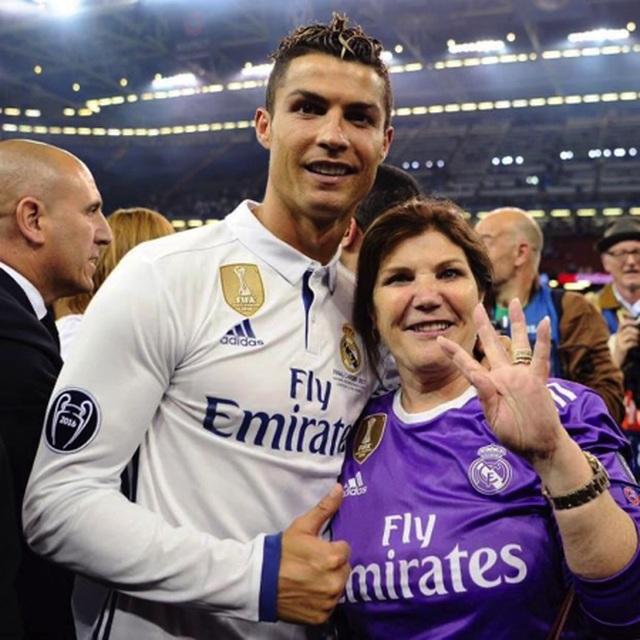 Chân dung người phụ nữ quyền lực có ảnh hưởng lớn nhất trong đời C.Ronaldo - 1