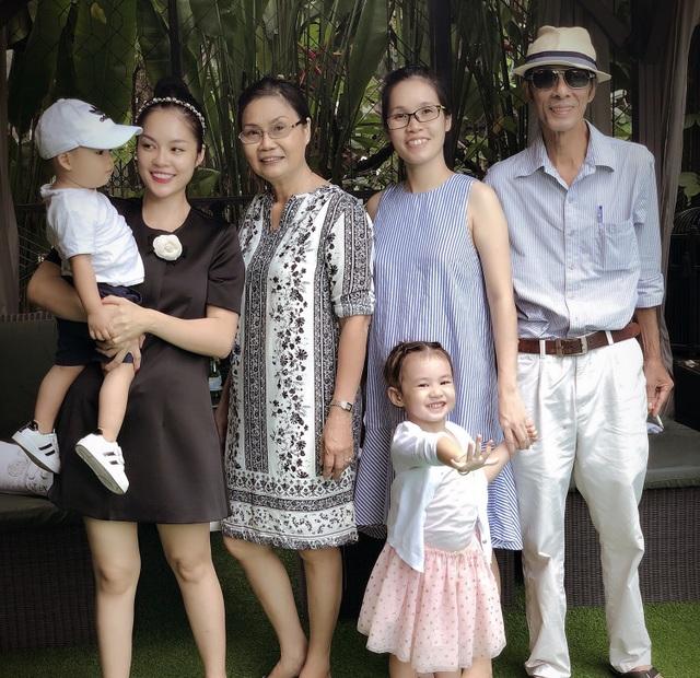 Dương Cẩm Lynh tiết lộ quà ý nghĩa khi lễ 8/3 vướng dịch Covid-19 - 1