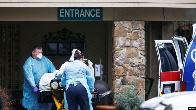 15 người tử vong vì Covid-19, Mỹ chi 8,3 tỷ USD ứng phó khẩn cấp - 2