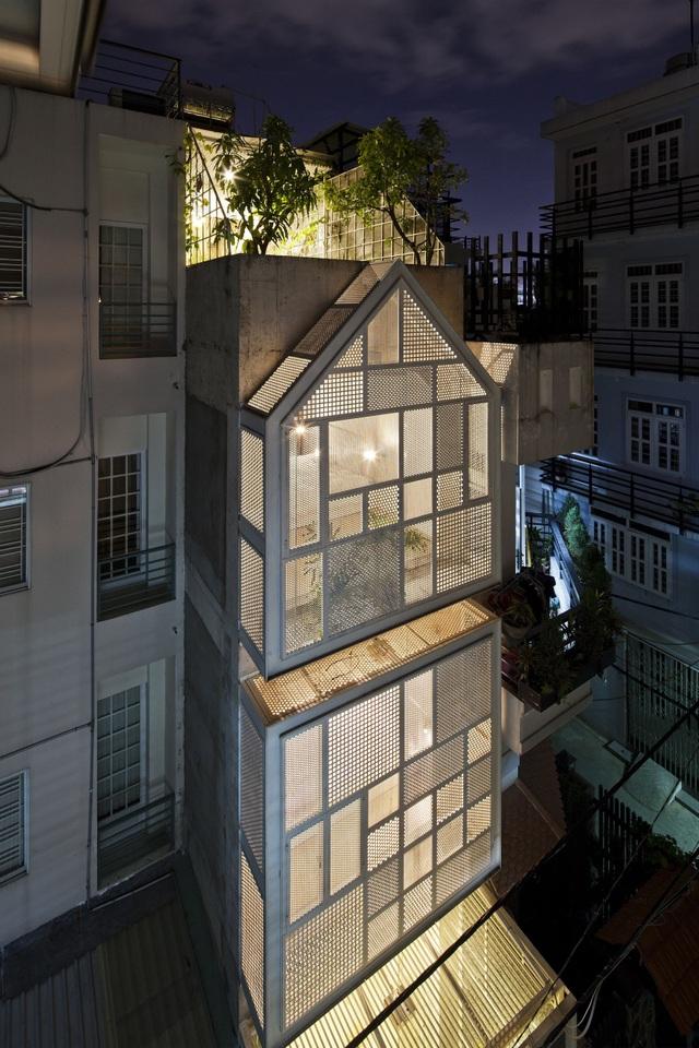 Rộng 30m2, ngôi nhà ở Sài Gòn vẫn gây sốt nhờ chiêu thiết kế lạ mắt - 1