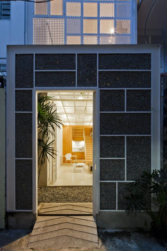 Rộng 30m2, ngôi nhà ở Sài Gòn vẫn gây sốt nhờ chiêu thiết kế lạ mắt - 2