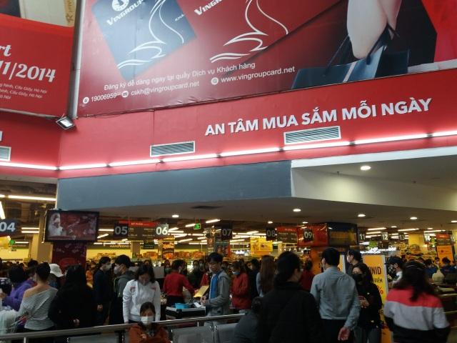 Dân mạng phản đối việc đi siêu thị vét sạch thực phẩm tích trữ - 7