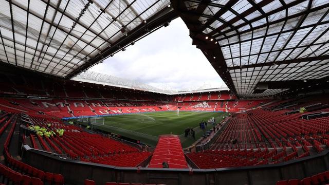 Man Utd 2-0 Man City: Martial, McTominay trừng phạt đối thủ - 18