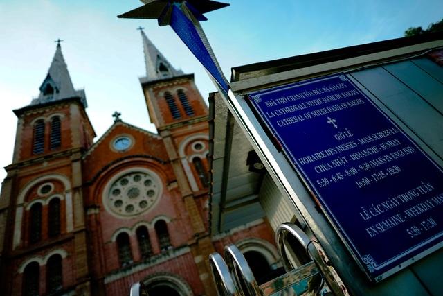 Cận cảnh nhà thờ Đức Bà sau hai năm trùng tu - 15
