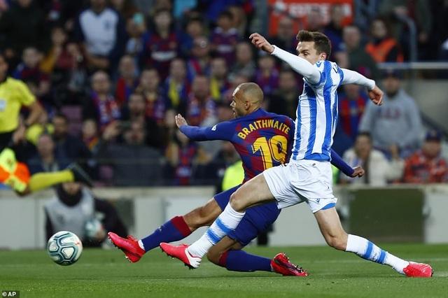 Messi ghi bàn, Barcelona hạ Sociedad và tạm chiếm ngôi đầu bảng - 4