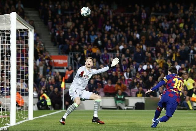 Messi ghi bàn, Barcelona hạ Sociedad và tạm chiếm ngôi đầu bảng - 5