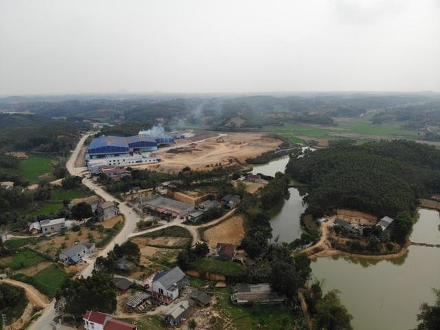 Cận cảnh nhà máy chế biến gỗ ngày đêm hành hạ người dân tại Phú Thọ - 1