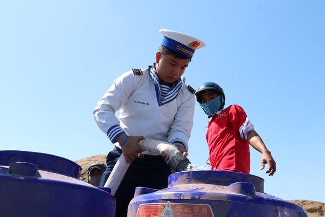 Thủ tướng: Không để người dân thiếu nước sinh hoạt - 2