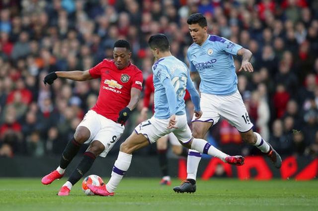 Man Utd 2-0 Man City: Martial, McTominay trừng phạt đối thủ - 14