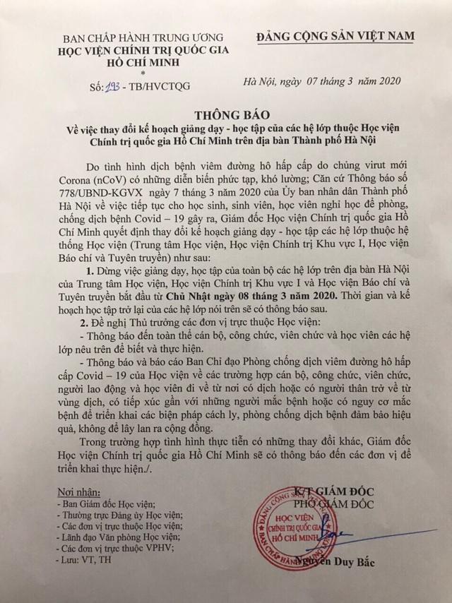Trường ĐH khẩn cấp cho sinh viên nghỉ học và không nên rời Hà Nội - 1