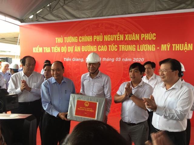 Thủ tướng kiểm tra tiến độ đường cao tốc Trung Lương - Mỹ Thuận - 2