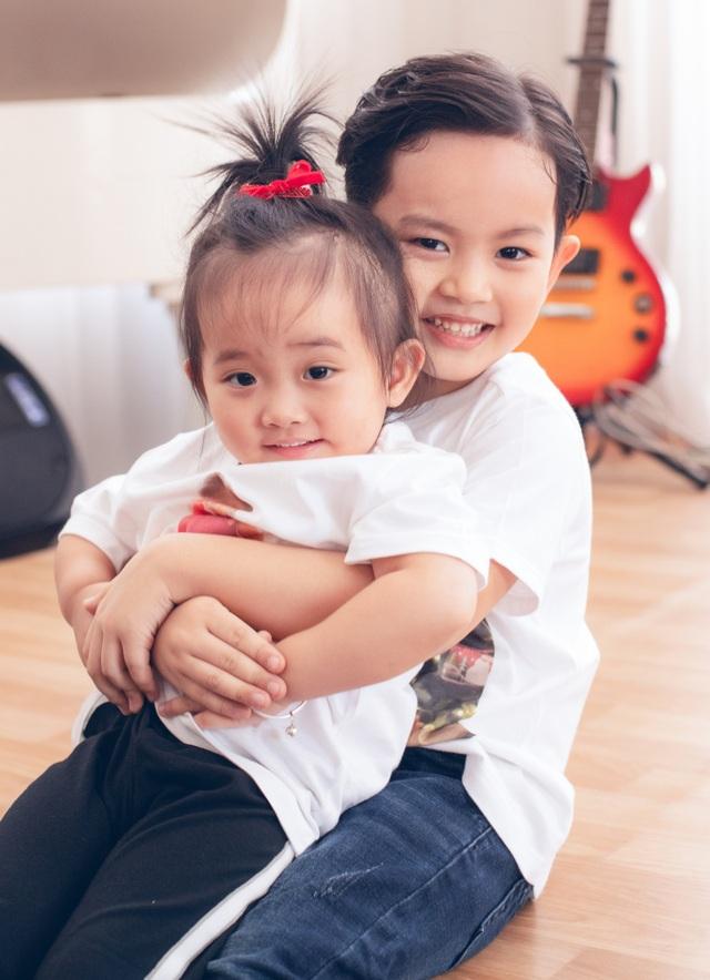 Khoảnh khắc ấm lòng của gia đình Khánh Thi giữa dịch Covid-19 - 4