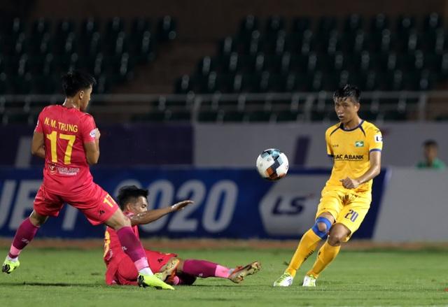 Cuộc đua giành suất ở đội tuyển Việt Nam giữa Văn Toàn và Văn Đức - 1