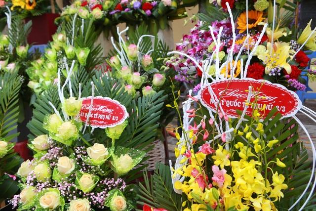 """Chợ hoa ế ẩm, tiểu thương """"kêu trời"""" dịp 8/3 giữa mùa dịch corona - 3"""