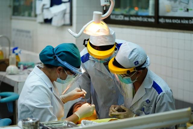 Đón 14.000 SV học trở lại, Trường ĐH Y dược TPHCM chuẩn bị gì? - 11