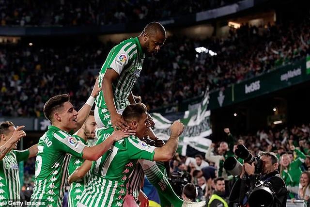Thua sốc Betis, Real Madrid mất ngôi đầu bảng vào tay Barcelona - 7