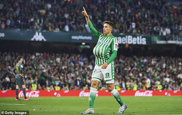 Thua sốc Betis, Real Madrid mất ngôi đầu bảng vào tay Barcelona - 11