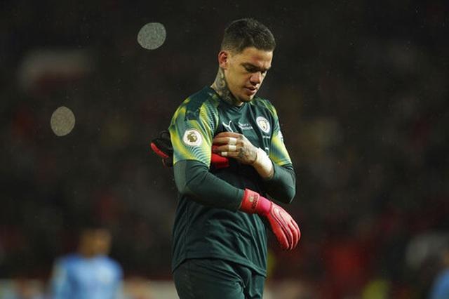 """Những """"tội đồ"""" khiến Man City ôm hận trước Man Utd - 1"""