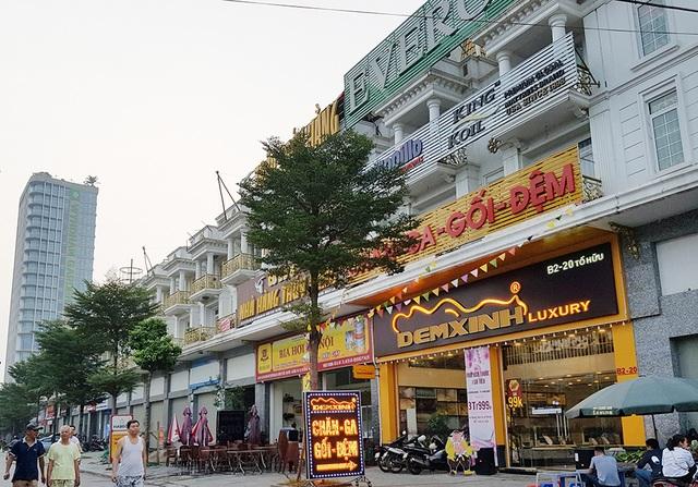 """Covid-19 bùng phát ở Hà Nội: Loạt mặt bằng vị trí """"vàng"""" hạ giá, căng biển cho thuê - 4"""
