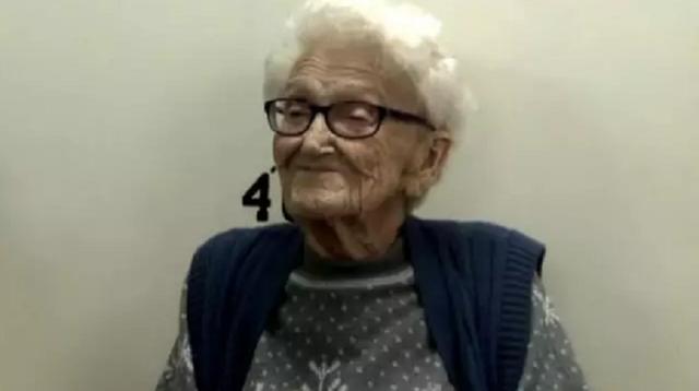 Cụ bà được gửi vào tù để mừng sinh nhật 100 tuổi - 3