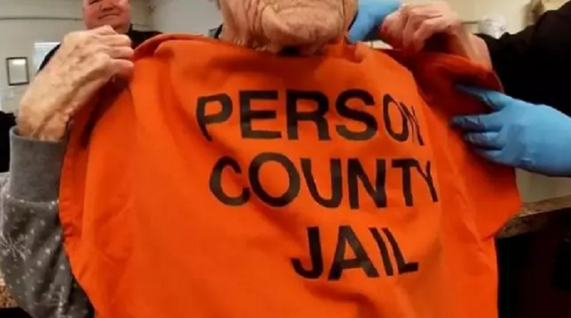 Cụ bà được gửi vào tù để mừng sinh nhật 100 tuổi - 4