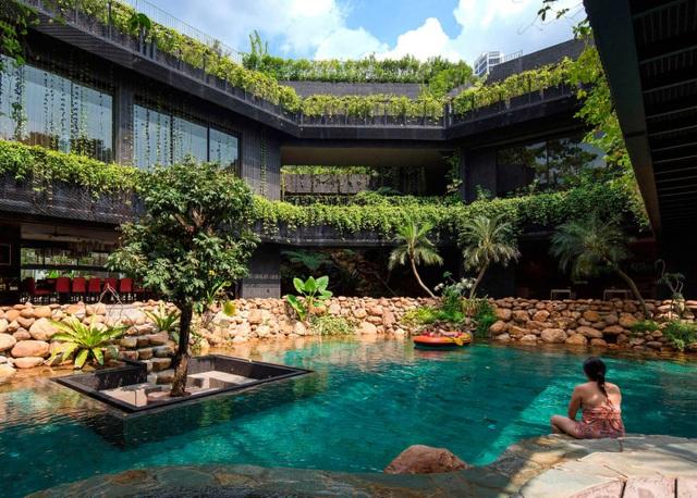"""Sửng sốt với """"khu vườn nhiệt đới"""" ngay trên nóc nhà biệt thự ở Singapore - 1"""