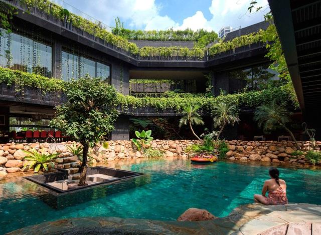 """Sửng sốt với """"khu vườn nhiệt đới"""" ngay trên nóc nhà biệt thự ở Singapore - 6"""