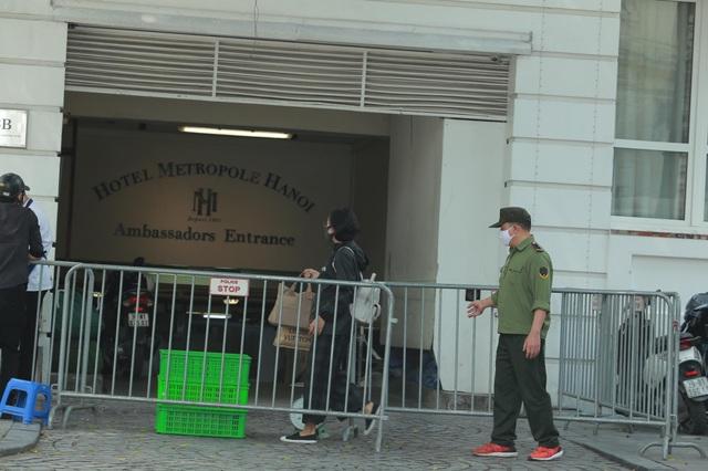 Khách sạn Metropole tạm dừng hoạt động để khử trùng - 3