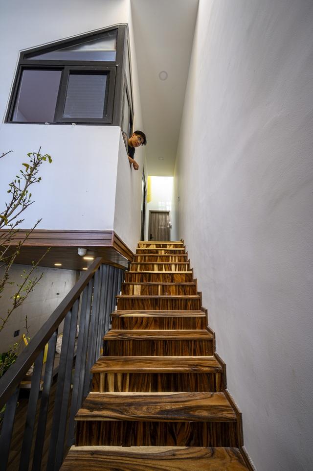 """Ngôi nhà của vị doanh nhân Sài Gòn nổi bật bởi thiết kế """"2 trong 1"""" độc lạ - 11"""