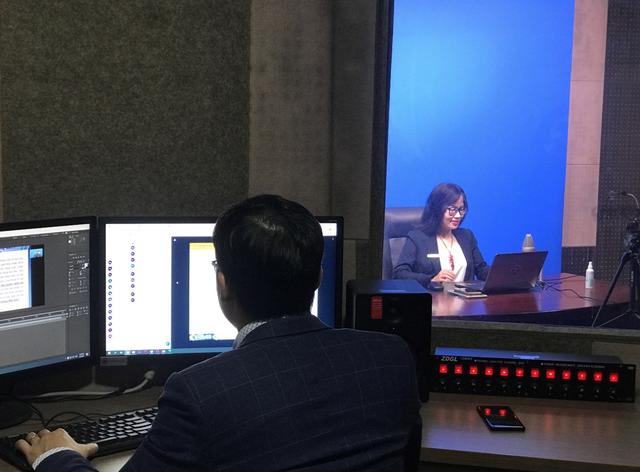 Một ngày làm việc của giảng viên dạy trực tuyến với sinh viên ảo - 2