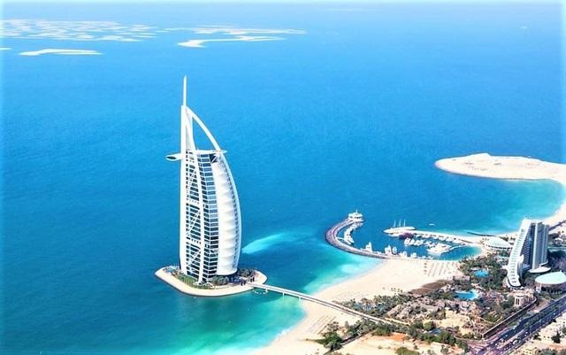Choáng ngợp khách sạn 7 sao dát vàng 24k xa xỉ bậc nhất ở Dubai - 1