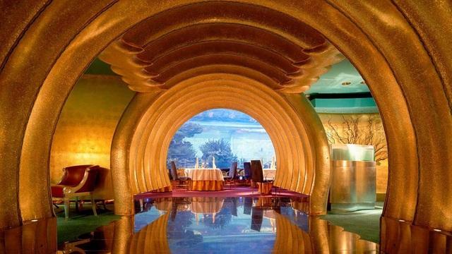 Choáng ngợp khách sạn 7 sao dát vàng 24k xa xỉ bậc nhất ở Dubai - 6