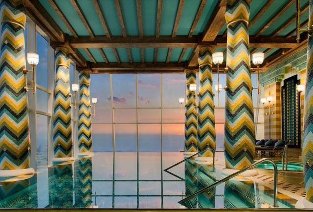 Choáng ngợp khách sạn 7 sao dát vàng 24k xa xỉ bậc nhất ở Dubai - 7
