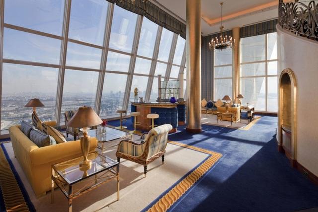 Choáng ngợp khách sạn 7 sao dát vàng 24k xa xỉ bậc nhất ở Dubai - 9