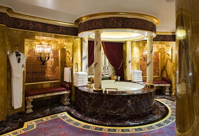 Choáng ngợp khách sạn 7 sao dát vàng 24k xa xỉ bậc nhất ở Dubai - 10