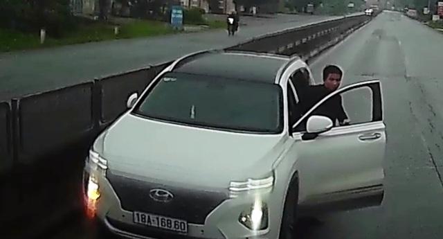 Sẽ xử lý tài xế đi ngược chiều, tự nhận say rượu và dọa đánh người - 1
