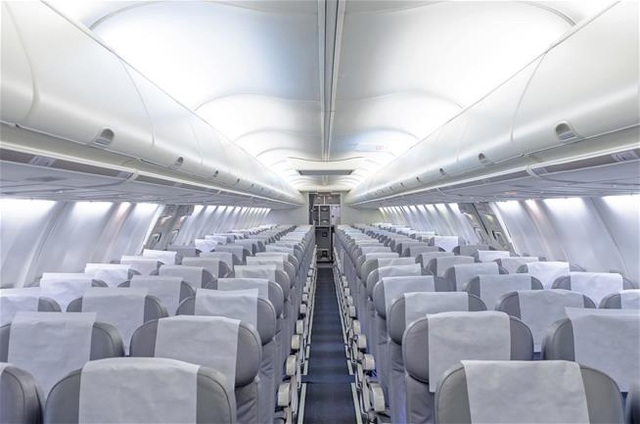 Vì sao các hãng hàng không vẫn phải duy trì những chuyến bay trống khách? - 1