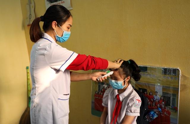 Hôm nay, Vĩnh Phúc cho học sinh Mầm non đến THCS đi học trở lại - 4