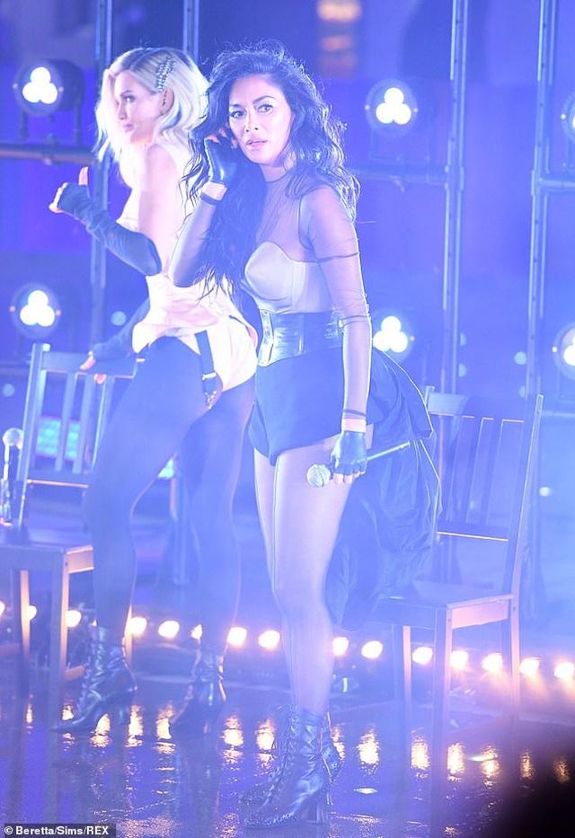 The Pussycat Dolls liên tục bị phản hồi vì trình diễn quá gợi cảm - 5