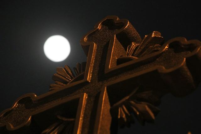Chiêm ngưỡng siêu trăng trên bầu trời Hà Nội vào đêm 9/3 - 5