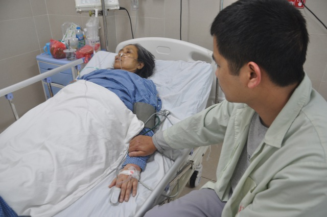 Xót xa cảnh người mẹ nghèo xin bác sĩ về nhà chờ chết! - 3