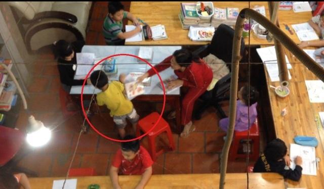 """Không khởi tố vụ """"cô giáo"""" dạy thêm đánh học sinh ở Ninh Thuận - 1"""