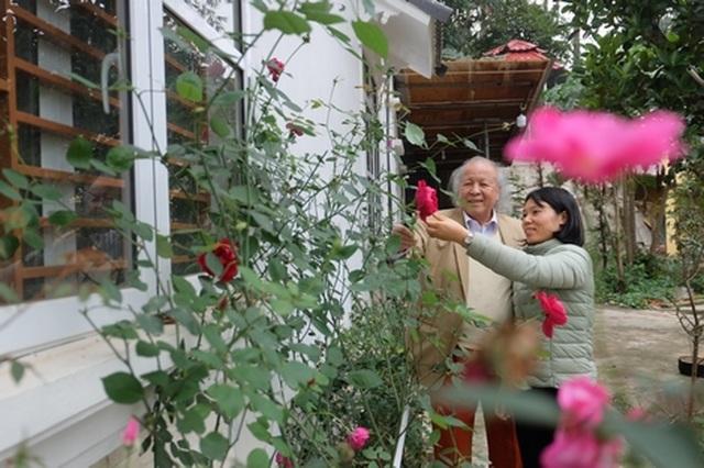 Bí quyết duy trì hạnh phúc của cụ ông 92 tuổi lấy người vợ kém 53 tuổi - 3