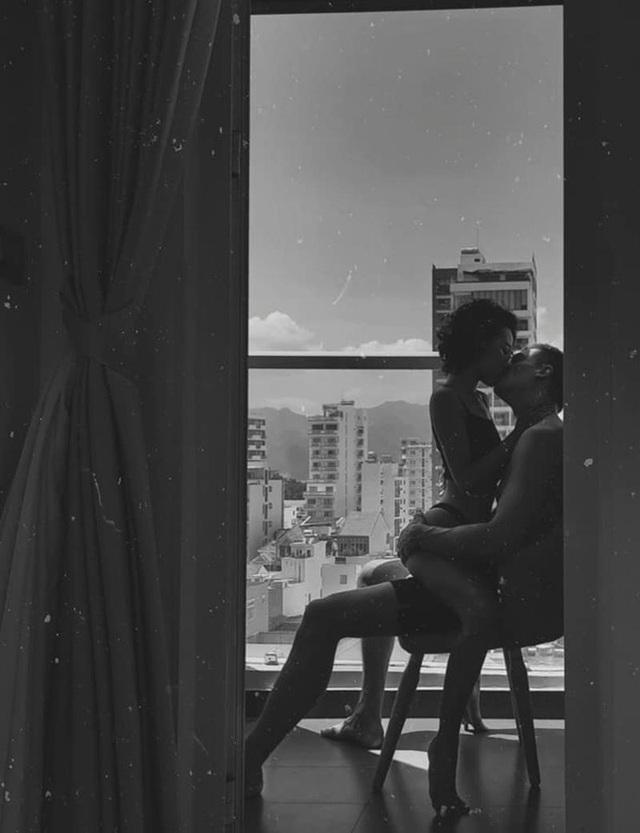 """Cặp đôi yêu xa 9.000km, """"phải lòng"""" nhau từ ánh mắt đầu tiên - 4"""