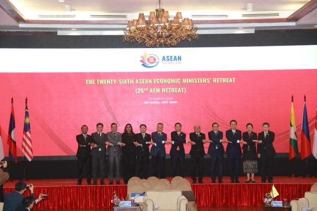 Hội nghị Bộ trưởng Kinh tế ASEAN thông qua 12 đề xuất - 1